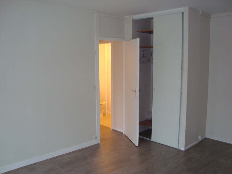 Rental apartment Marly le roi 908€ CC - Picture 3