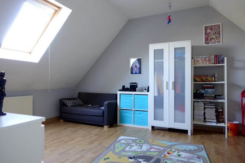 Sale house / villa Meurchin 239900€ - Picture 5