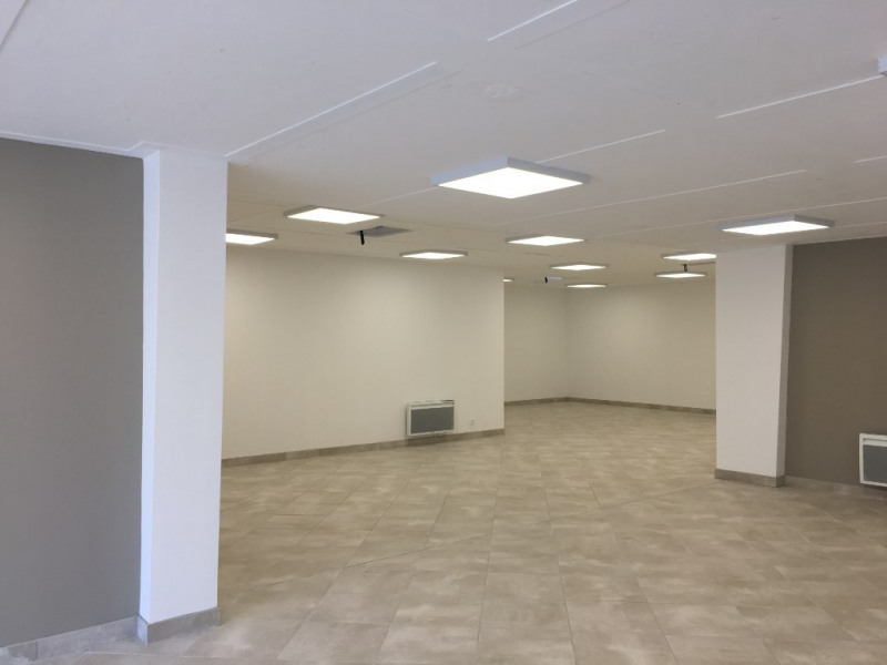 Location local commercial Dax 1 320€ CC - Photo 3
