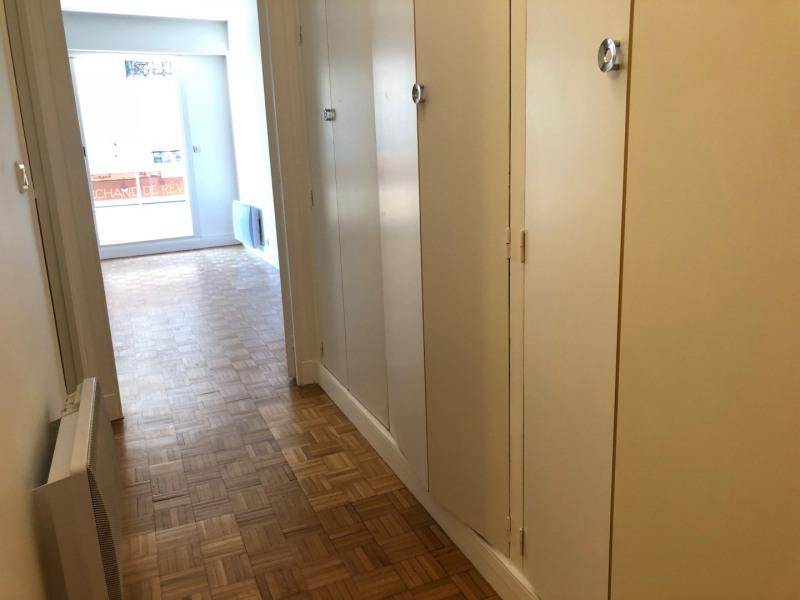 Rental apartment Paris 17ème 890€ CC - Picture 3