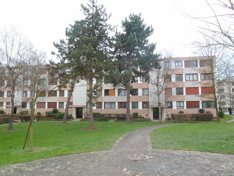 Rental apartment Andresy 895€ CC - Picture 1