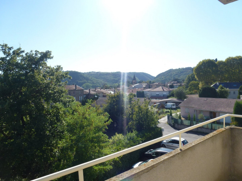 Rental apartment St uze 450€ CC - Picture 3