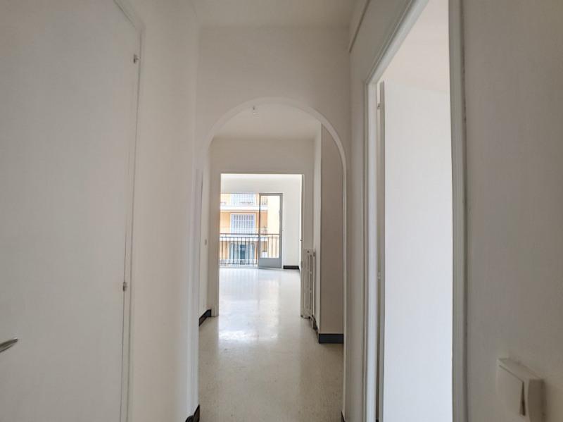 Location appartement Menton 951€ CC - Photo 3
