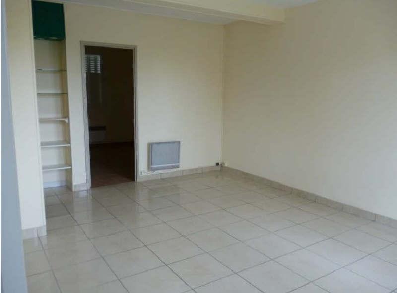 Rental apartment Parmain 795€ CC - Picture 3
