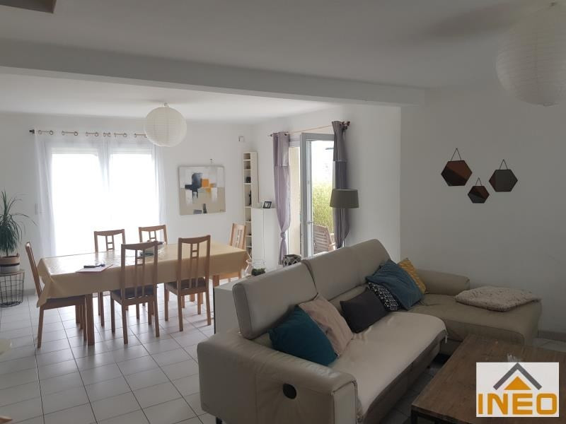 Location maison / villa Tinteniac 740€ CC - Photo 2