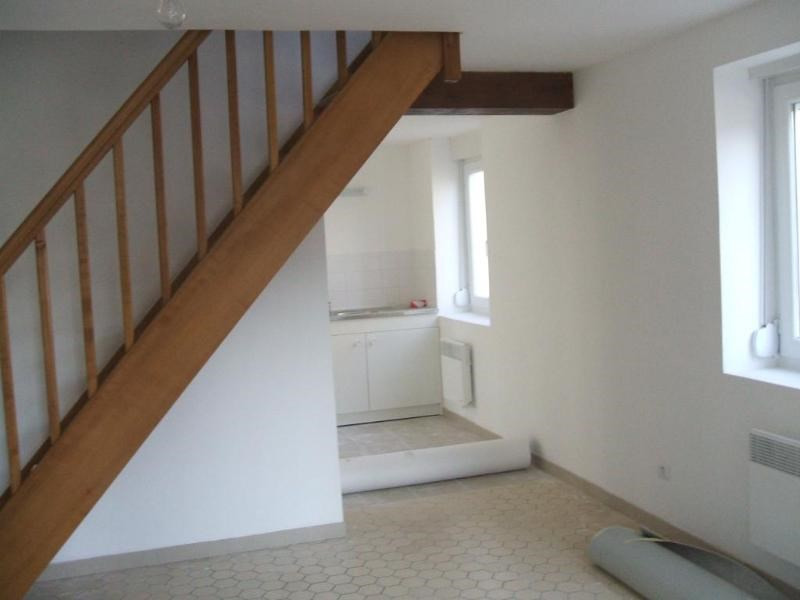 Location appartement Moulle 455€ CC - Photo 1