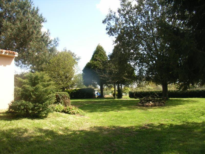 Location maison / villa La roche sur yon 780€ CC - Photo 3