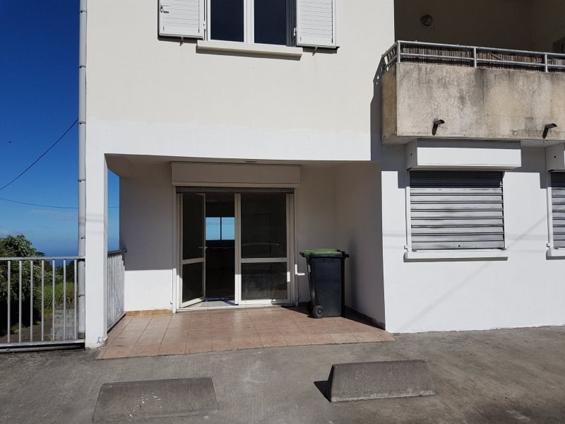 Rental empty room/storage La plaine des cafres 550€ CC - Picture 3