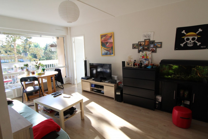 Rental apartment Elancourt 846€ CC - Picture 1