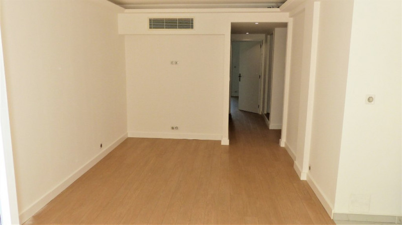Sale apartment Antibes 250000€ - Picture 3