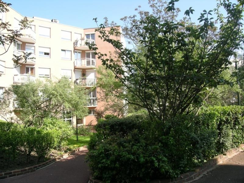 Rental apartment Maisons alfort 1 150€ CC - Picture 1