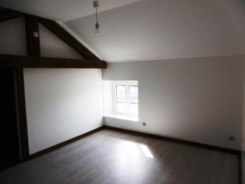 Location appartement Amplepuis 300€ CC - Photo 1