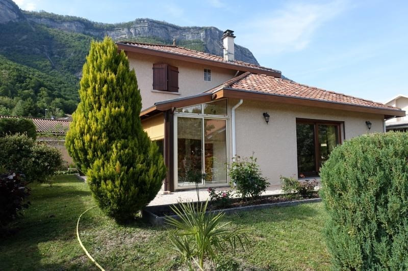 Sale house / villa Crolles 485 000€ - Picture 1