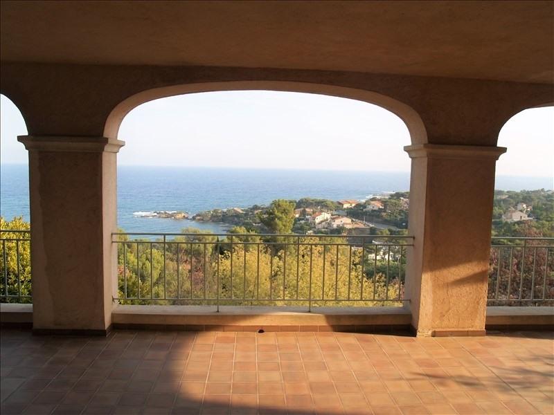 Deluxe sale house / villa Les issambres 961000€ - Picture 2