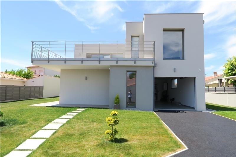 Deluxe sale house / villa Royan 660000€ - Picture 1