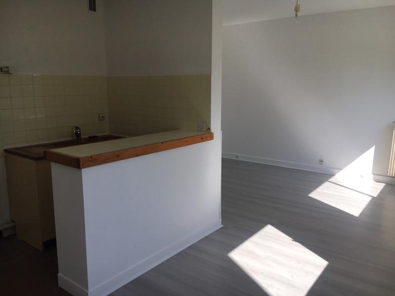 Sale apartment Rambouillet 110000€ - Picture 2