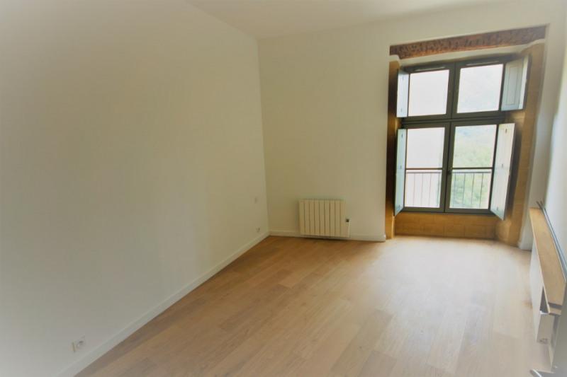 Rental apartment Meyrargues 552€ CC - Picture 4