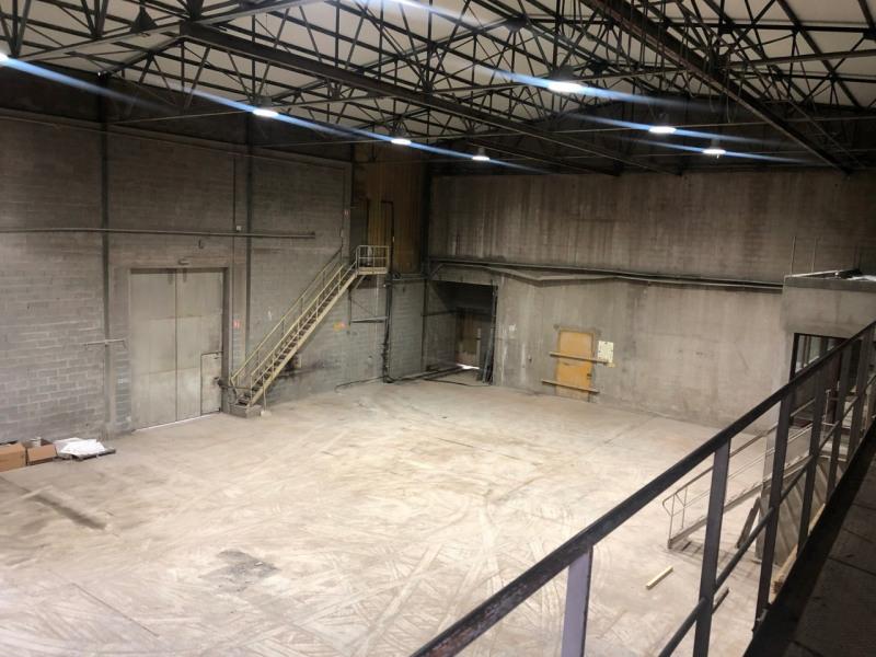 Location local commercial Contamine-sur-arve 2800€ CC - Photo 2