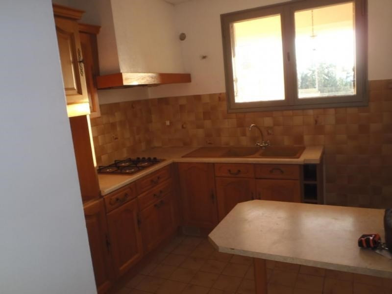 Rental apartment 26200 680€ CC - Picture 1