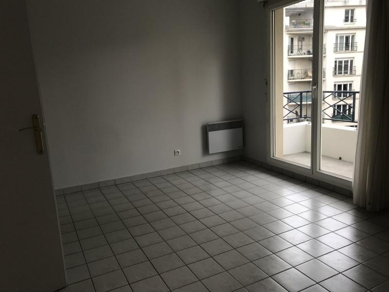 Rental apartment La garenne colombes 745€ CC - Picture 2