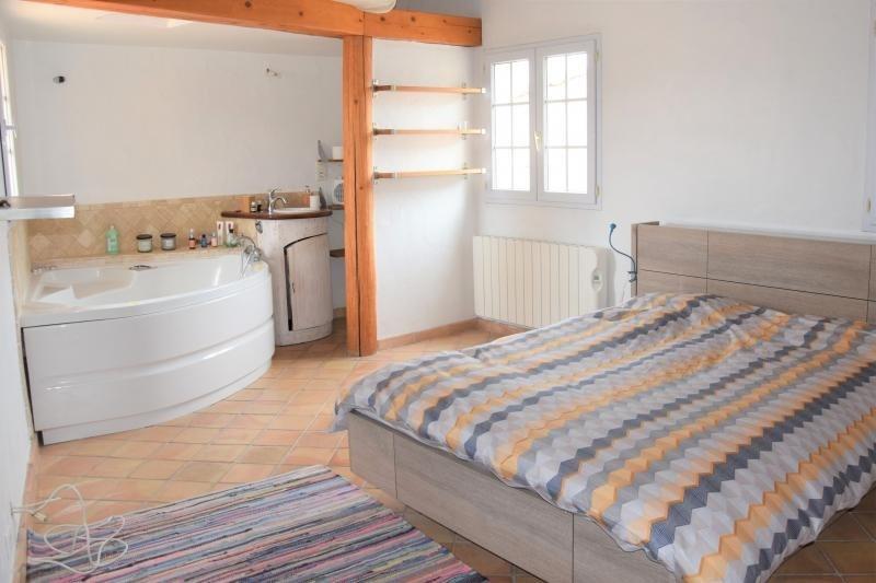 Sale apartment Eguilles 375000€ - Picture 2