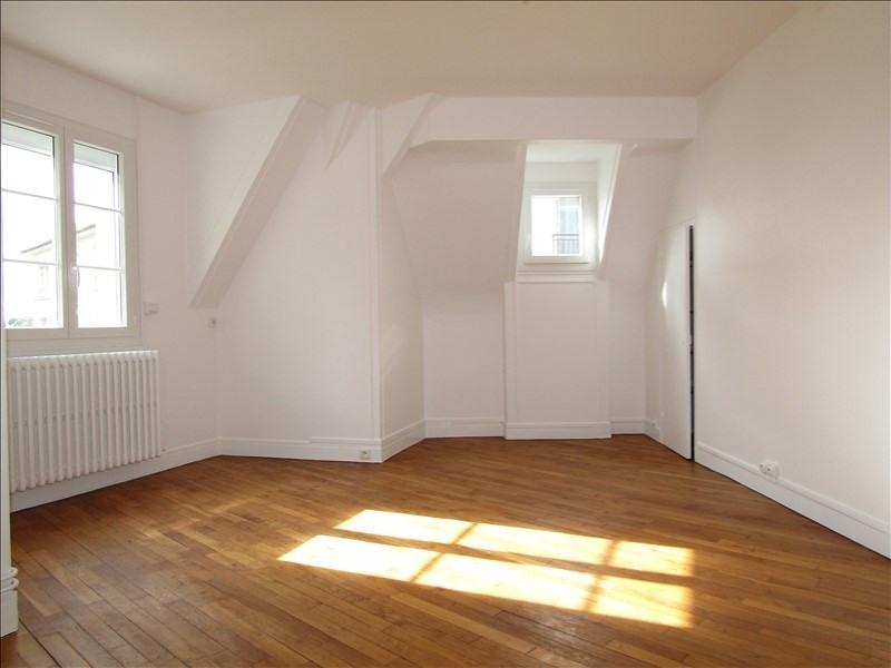Location appartement Pontoise 870€ CC - Photo 2
