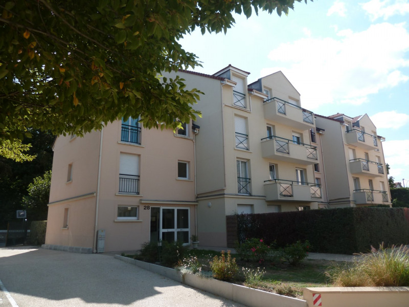 Rental apartment Poissy 830€ CC - Picture 1