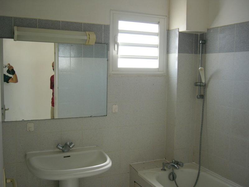 Rental apartment St denis 666€ CC - Picture 4