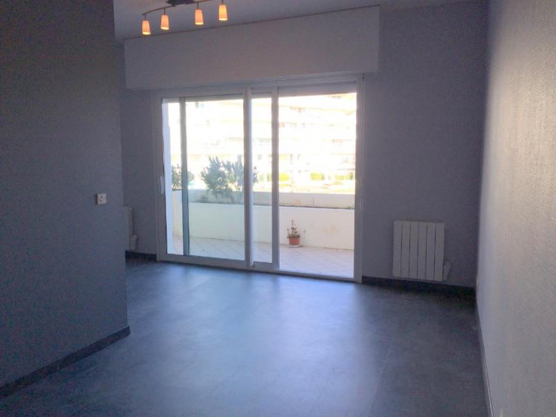 Rental apartment La rochelle 605€ CC - Picture 1