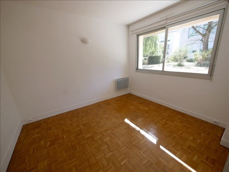 Location appartement Garches 895€ CC - Photo 3
