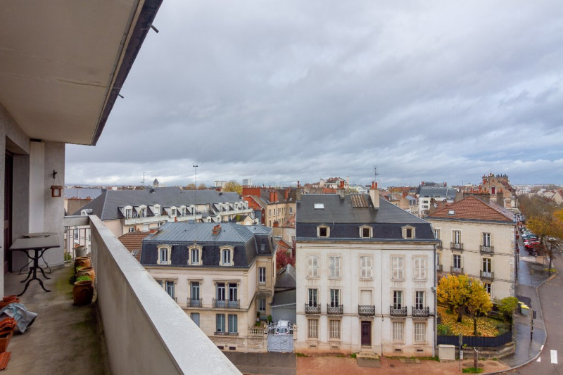 Sale apartment Dijon 220000€ - Picture 2