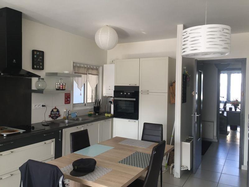 Sale apartment Royan 263750€ - Picture 2