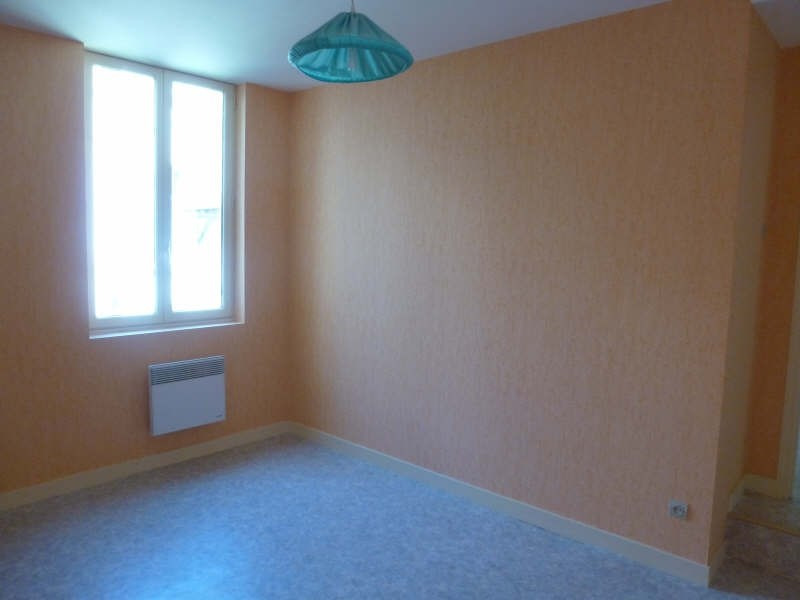 Location appartement Chatellerault 345€ CC - Photo 2