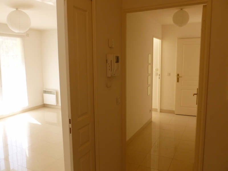 Rental apartment Lamorlaye 830€ CC - Picture 8