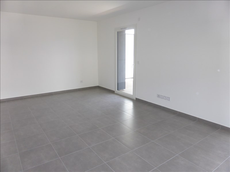 Location appartement Thoiry 1455€ CC - Photo 3