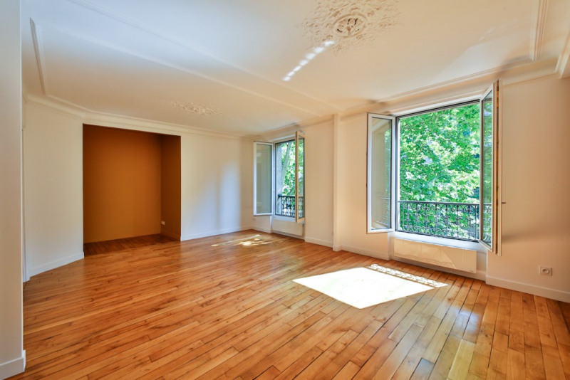 Sale apartment Paris 18ème 598 000€ - Picture 1