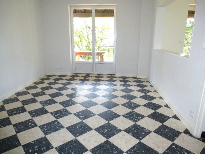 Location appartement Ucel 695€ CC - Photo 3