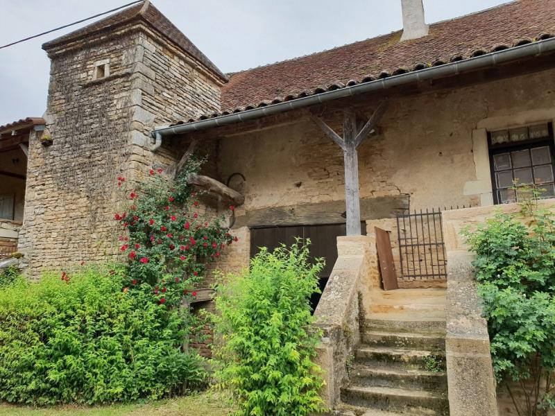 Authentique maison bourguignonne au coeur d'un hameau typiqu