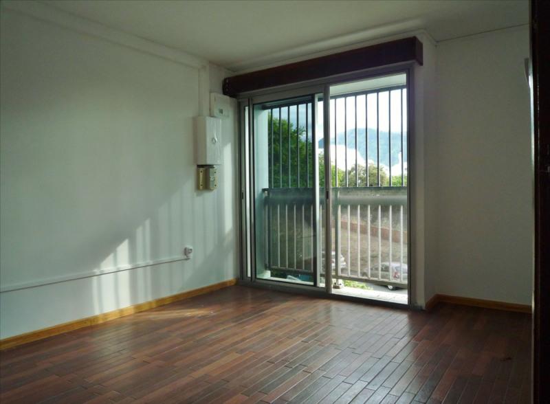 Location appartement Sainte clotilde 720€ CC - Photo 2