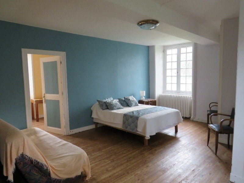 Sale house / villa Cosse le vivien 270400€ - Picture 2