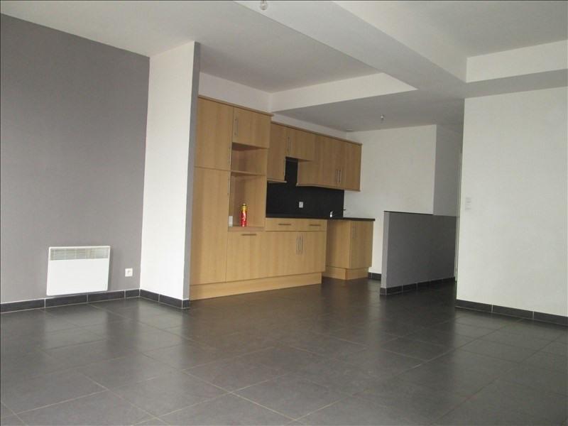 Rental apartment Lestrem 610€ CC - Picture 2