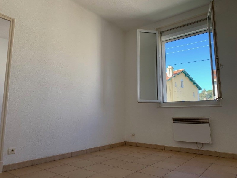 Rental apartment La seyne-sur-mer 450€ +CH - Picture 2