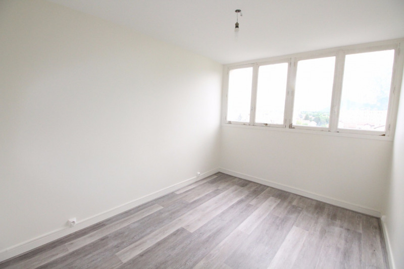 Location appartement Fontaine 660€ CC - Photo 13