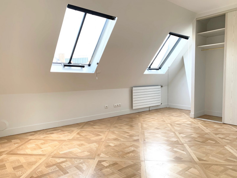 Location appartement Paris 8ème 5 120€ CC - Photo 4