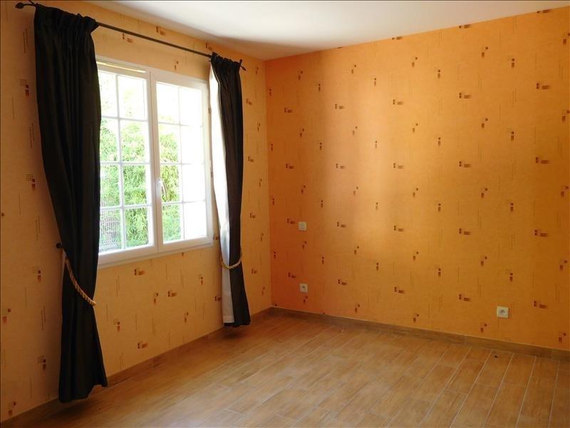 Location maison / villa St andre de cubzac 1037€ CC - Photo 8