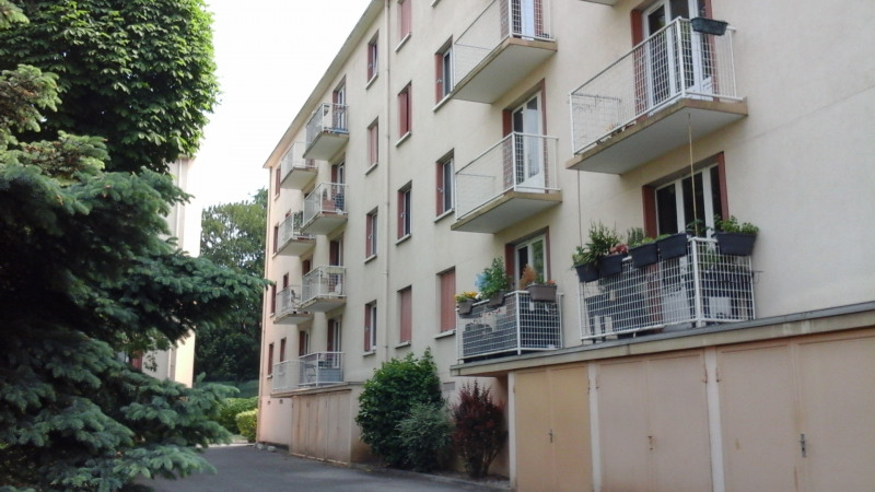 Sale apartment Créteil 274 000€ - Picture 1