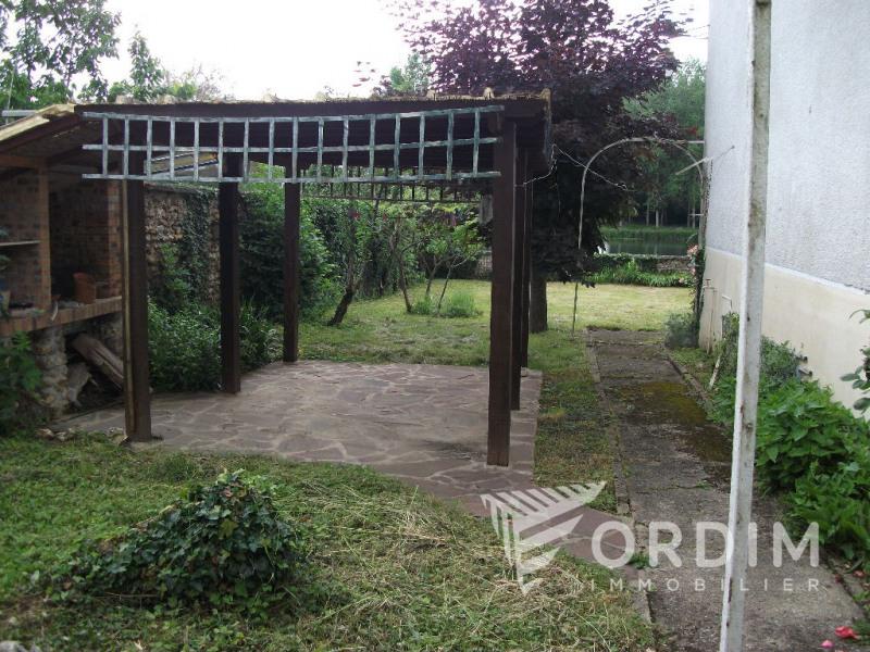 Sale house / villa Armeau 139753€ - Picture 9