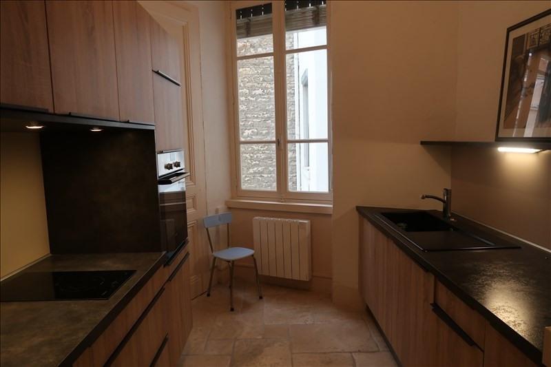Location appartement Lyon 6ème 1340€ CC - Photo 2