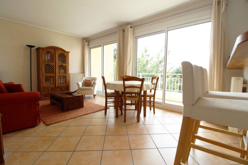 Sale apartment Maurepas 169 500€ - Picture 3