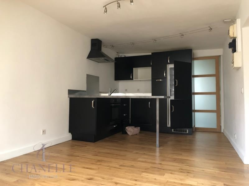 Sale apartment Paris 11ème 365 000€ - Picture 1